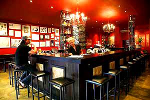 album4821_37218_barney-allens-bars-melbourne-best-bar-st-kilda-outdoor-area-003.jpg
