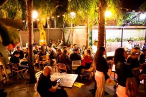 function-rooms-adelaide-venues-venue-hire-small-party-room-birthday-outdoor-corporate-event-009