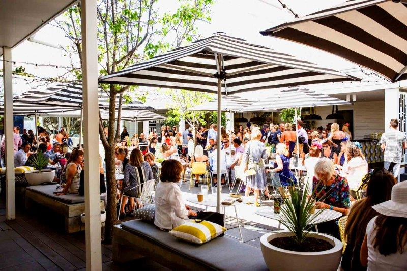 the-cottesloe-beach-hotel-the-beach-club-verandah-bar-bars-perth-beachfront-outdoor-beergarden-cocktail-top-best-good-003