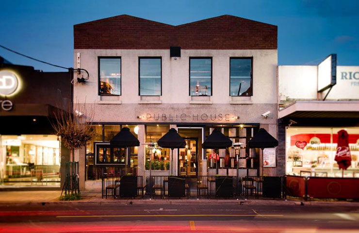 PUBLIC-melbourne-bars-bar-best-top-to-do-footy-game-sport-match-drink-drinks-food-dining-entertainment