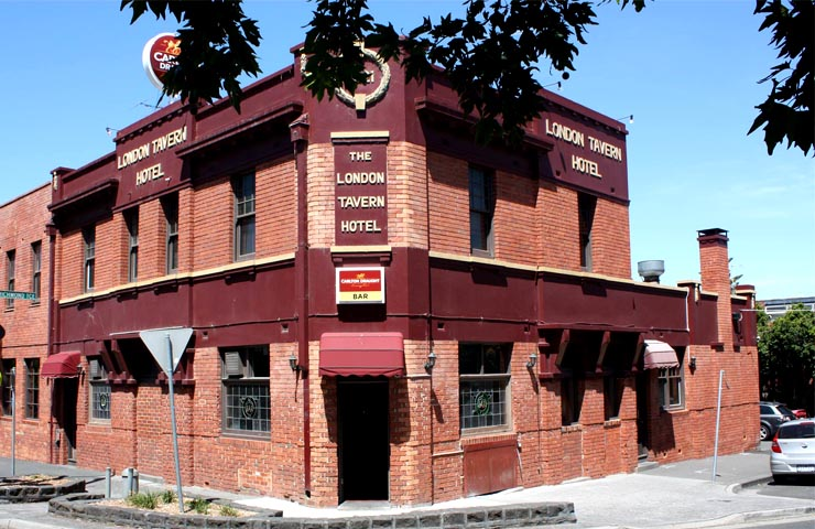 TAVERN-melbourne-bars-bar-best-top-to-do-footy-game-sport-match-drink-drinks-food-dining-entertainment - Copy