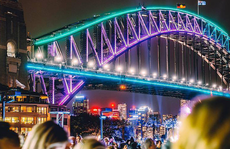 Vivid-Sydney-Things-to-do-whats-on-entertainment-night-out-events-activties-going-out