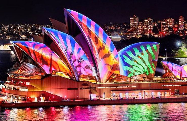 Vivid-Sydney-Things-to-do-whats-on-entertainment-night-out-events-activties-going-out3