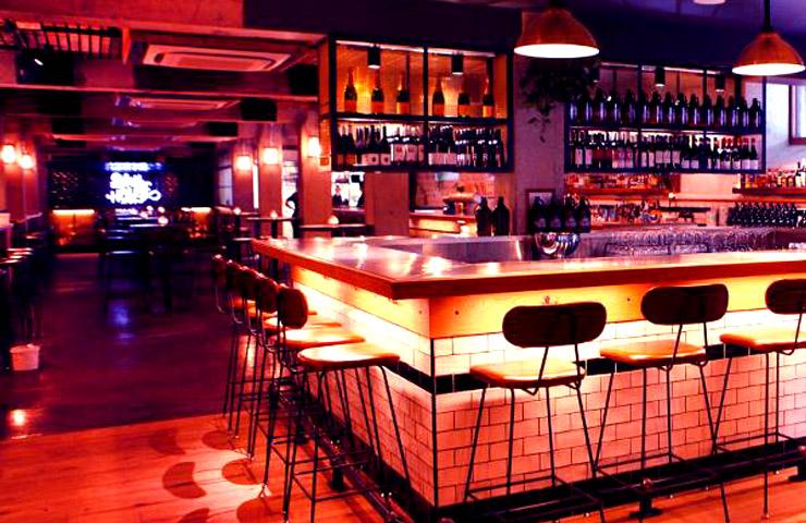 melbourne-underground-bar-best-cocktail-drinks-city-fun-light