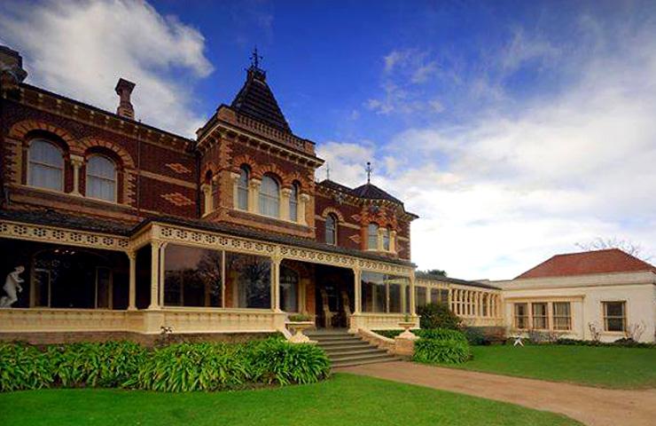 garden-best-lazy-sunday-idea-date-ripponlea-lake-mansion