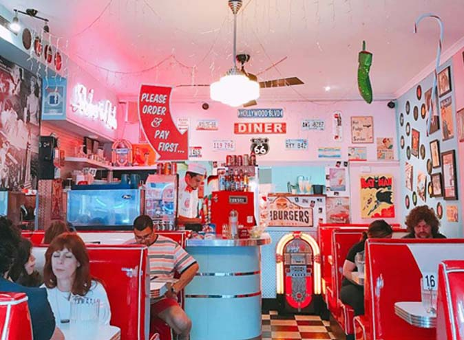 doughboxdiner-diner-sydney-dinner-twist-unusual-american-vintage-1950-cute-fun-yum-food-milkshake-burger-waffle-good-4