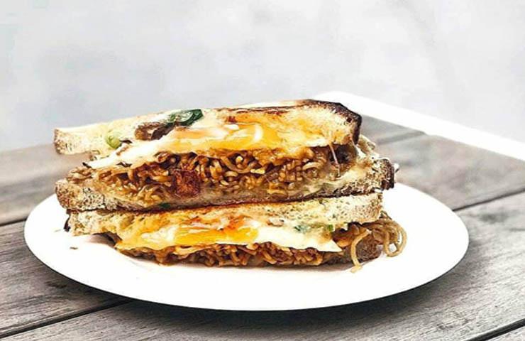 Dutch Smuggler Sydney toastie brunch CBD restaurant cheap eats coffee top best good