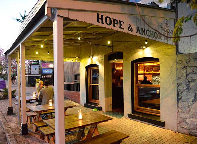 Hope and Anchor bar bars Brisbane Paddington cocktail outdoor beer garden courtyard fun groups pubs sports food 005