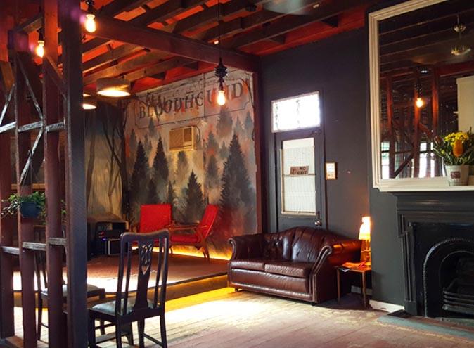 Bloodhound Bar Brisbane Fortitude Valley restaurant restaurants pub pubs australian burger parma food dining 003