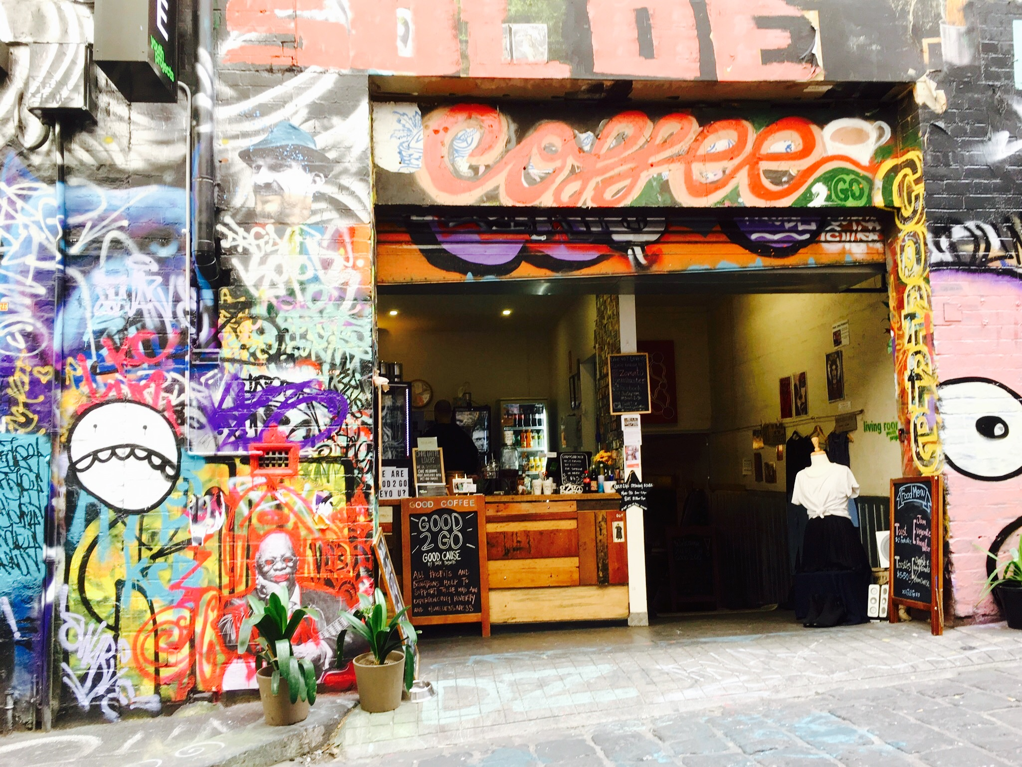 Good-2-go-cafe-coffee-shop-hosier-lane-melbourne-cafes-coffees-food-alley-charity-donate