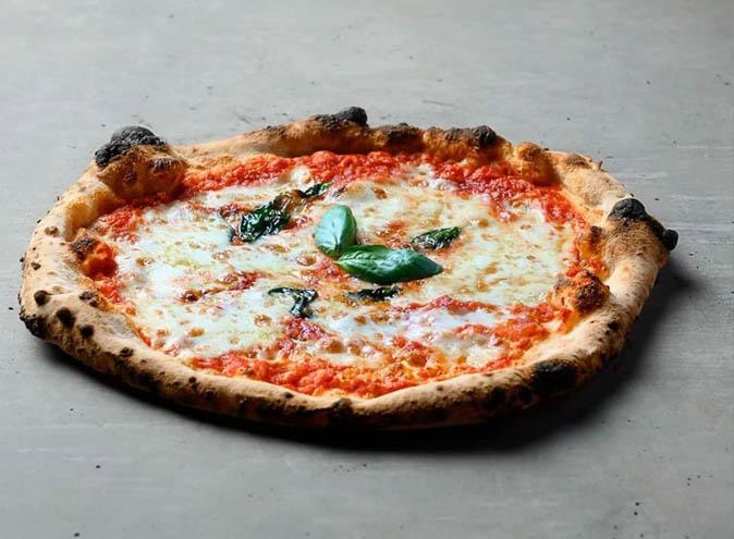 ciccio pizza pascoe vale italian restaurant restaurants outdoor seating authentic top best melbourne 006
